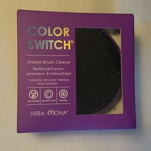 NWT Vera Mona Color Swith Brush Cleaner